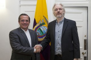 Ecuador's Foreign Minister Ricardo Patino with Julian Assange at the Ecuadorean embassy in London, August 2014 © David G Silvers / Ecuador Chancellery